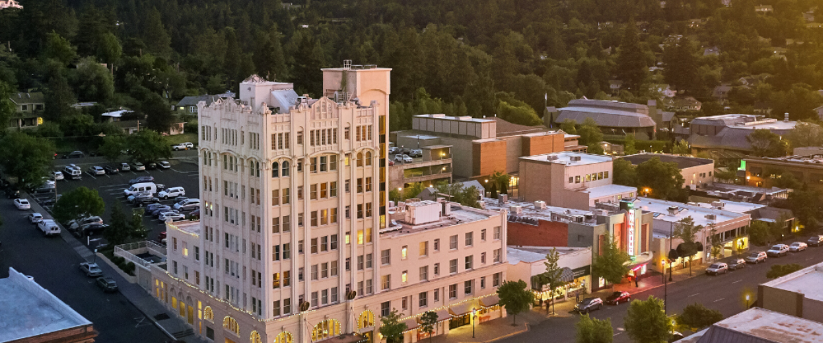 What makes a getaway in Southern Oregon even better…. lodging discounts and FREE nights! There's so much to explore in the breathtaking and iconic open spaces of Southern Oregon.View Details