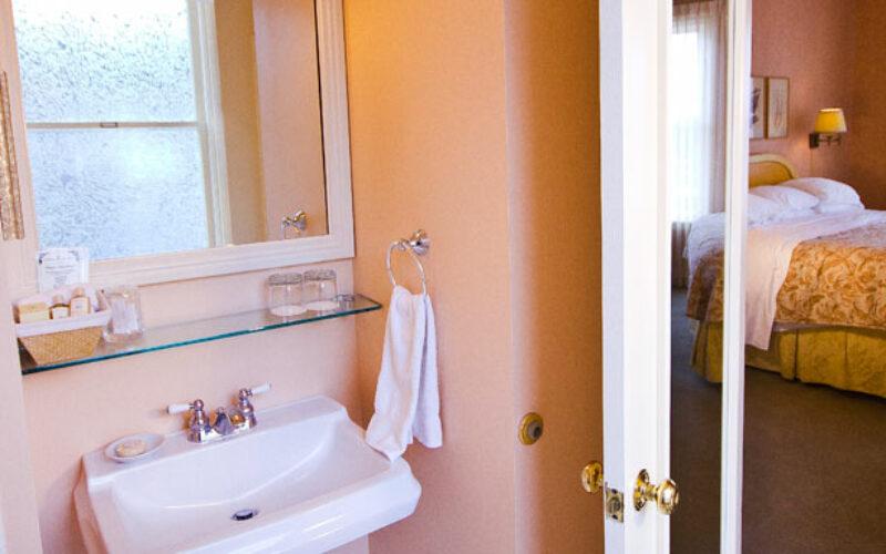 View King - Bathroom
